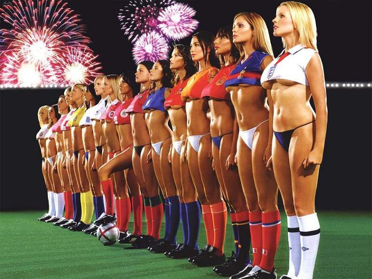 Симпатичные футболистки