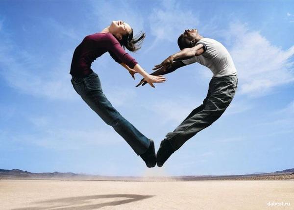 Любовь - это выход за пределы своего я и слияние с тем прекрасным, что заключено в другом человеке.