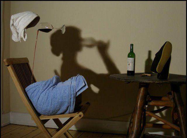 Эмансипация: равенство мужчины и женщины перед бутылкой.